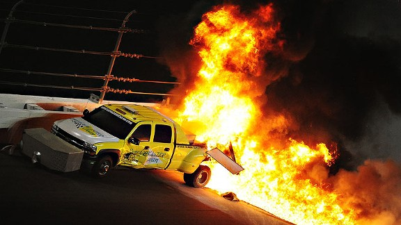 Juan Pablo Montoya Crashed Into a Jet Drier at the Daytona 500 -VIDEO!!