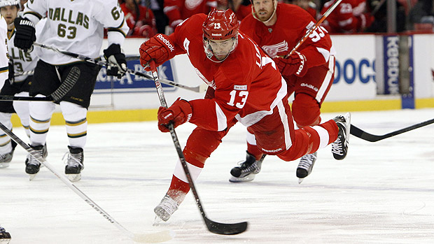Pavel Datsyuk Scored Game Winner to Extend Red Wings' Home Win Streak to 22...