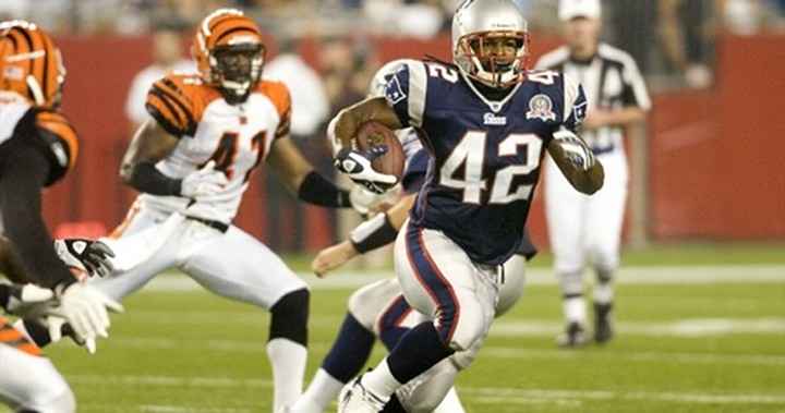 """The """"Law-Firm"""" BenJarvous Green-Ellis Leaves the Pats and Signs a Three-Year Deal with the Cincinnati Bengals..."""