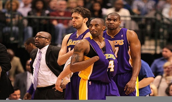 Lakers Coach Mike Brown Benches Andrew Bynum for 3-Point Shot in 104-101 Victory Over the Warriors...