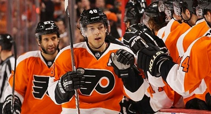 Danny Briere Scores Twice as Flyers Top Canadiens to Clinch Playoff Spot....