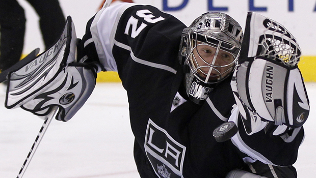 Mike Richards' shootout goal carries Kings past Blackhawks, Jonathan Quick comes up big in OT!