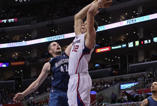 Randy Foye lobs to Blake Griffin for the alley-oop dunk...T-Wolves clip Clippers 95-94..