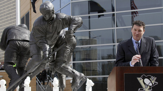 "Hall-of-Fame hockey star ""Super Mario"" Lemieux gets statue in his honor...."