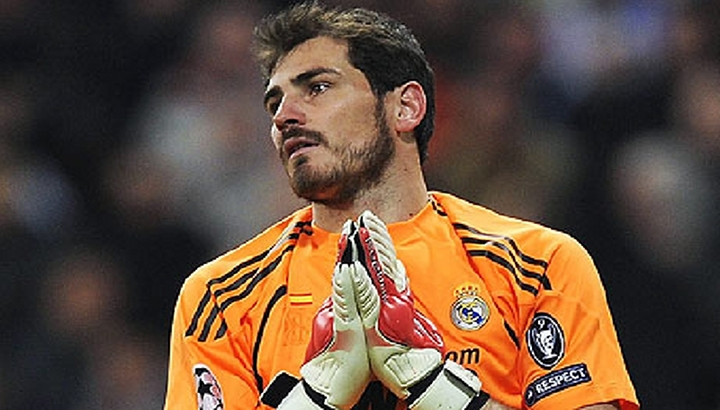 VIDEO: Real Madrid's Iker Casillas Wiped His Booger on a Kid's Face...Ewwww!