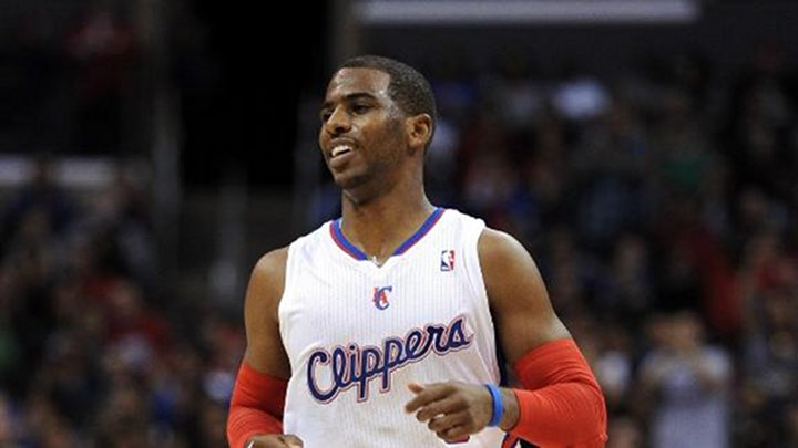 Slammin': Chris Paul Gets His First Slam Dunk of the Year.. Bench Goes Crazy!
