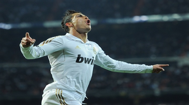 Cristiano Ronaldo Scores Huge Goal in Real Madrids 2-1 Victory Over Rival Barcelona....