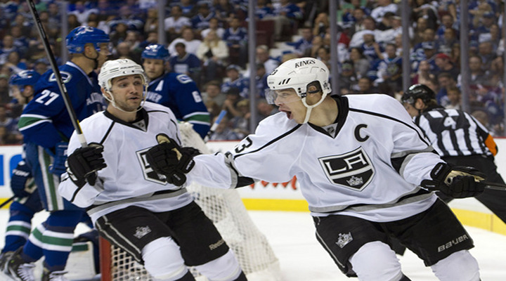 Dustin Brown Ties NHL Playoff Record With Two Short-Handed Goals in Kings 4-2 Win Over Vancouver - Kings Lead Series 2-0