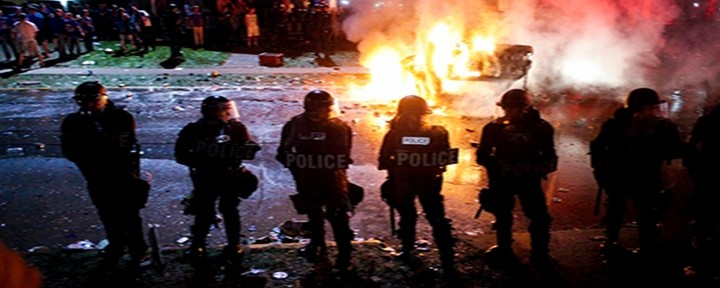 Video: Kentucky Fans Riot and Burn Couches after Beating Rival Louisville...