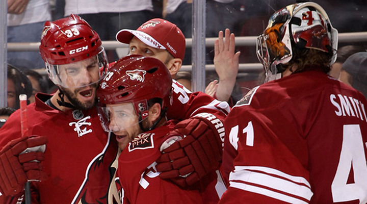 Coyotes Score 5 Goals to Beat the Predator 5-3 in Game 2 - Phoenix Leads Series 2-0