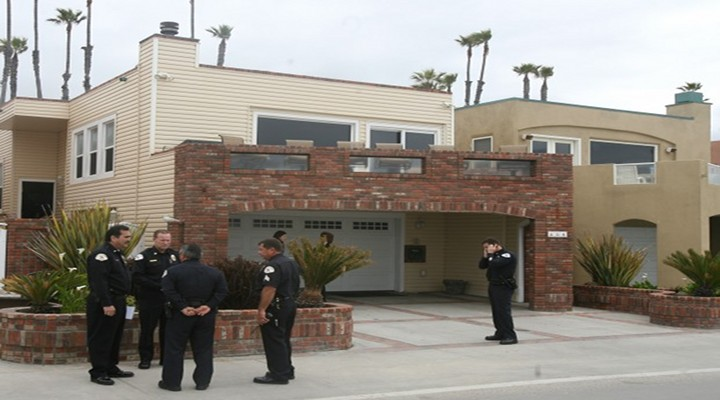 Junior Seau's Home in Oceanside Burglarized Just 5 Days After Death...