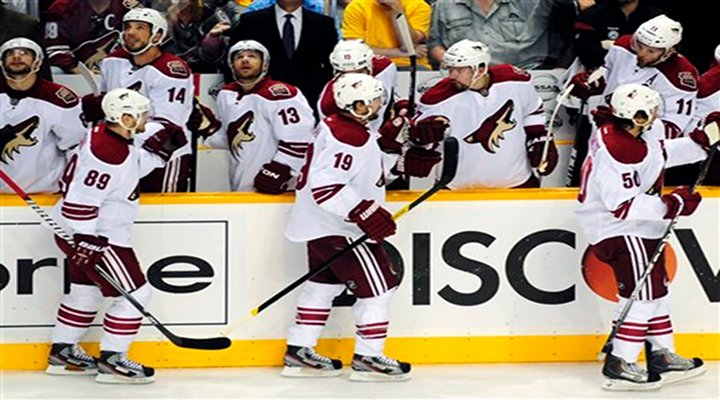 Mike Smith and the Coyotes Shutout Predators 1-0 - Phoenix Leads Series 3-1