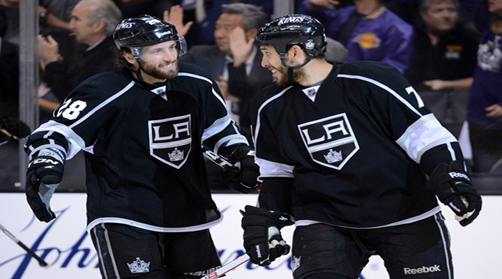 Dwight King Scores Third Period Goal to Beat the Coyotes 2-1 in Game 3 - Kings Leads Series 3-0