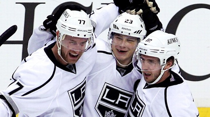 Jeff Carters Hat-Trick Leads Kings to 4-0 Shutout of Coyotes - LA Leads Series 2-0