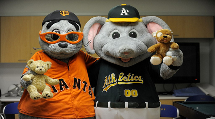 VIDEO: Brawl/Fight Between Oakland A's and San Francisco Giants Fans...