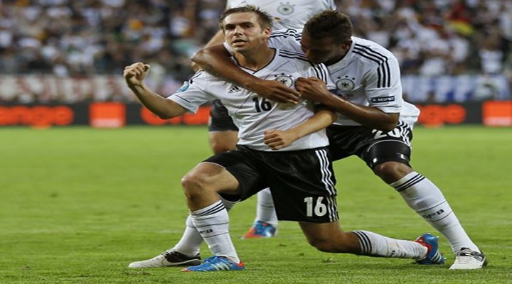 EURO 2012: Germany Scores Three Second-Half Goals to Beat Greece 4-2 & Advance to the Semifinals...