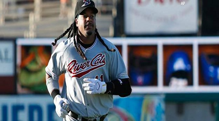 Racist Old Lady Complaining About Manny Ramirez's Long Dreadlocks! [Audio]