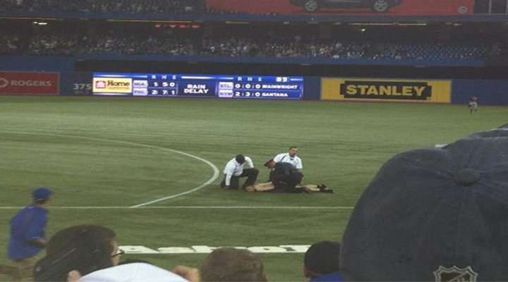 Video: The Streakers Continue at Rogers Centre (Skydome), at Least He Kept His Pants On!