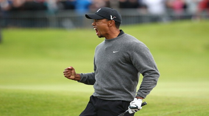 Video: Tiger Woods' Birdie From the Bunker at 18... He's Baaaaaack!