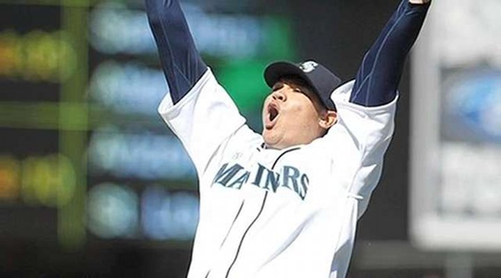 MLB History: Seattle's Felix Hernandez Pitches Perfect Game, Mariners Beat Rays 1-0