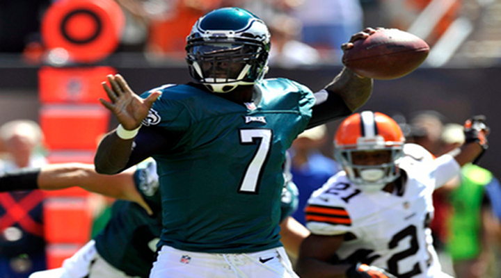 Video: Eagles QB Michael Vick Throws Game Winning TD to Beat the Browns 17-16...