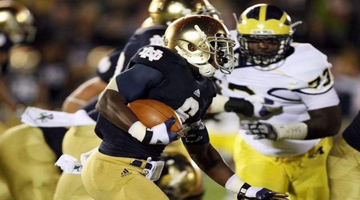 The Fighting Irish Defense Gets 5 INTs; Notre Dame Beats Michigan 13-6 in South Bend...