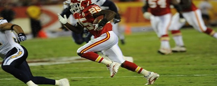 Chiefs RB Jamaal Charles Had TECMO Bowl Type Touchdown Against the Chargers! [Video]