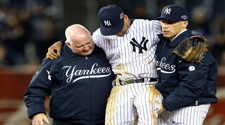 New York Yankees Derek Jeter Fractures Ankle; Out for the Rest of the Season...[Video]