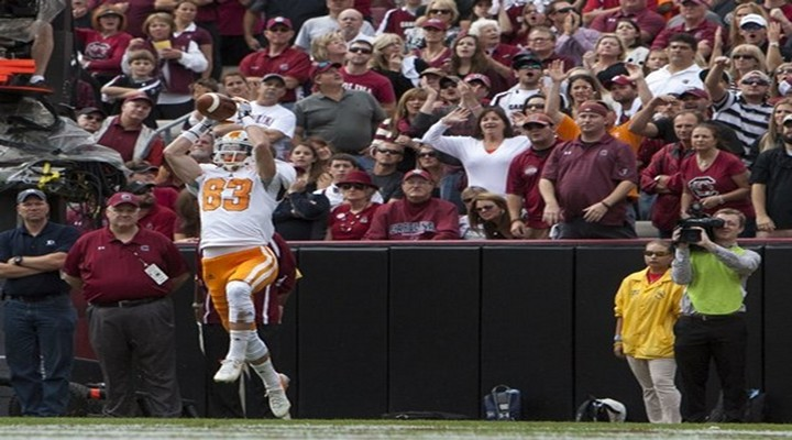 Catch of the Day: Tennessee WR Zach Rogers Stretches Out For Amazing Sideline Reception [Video]