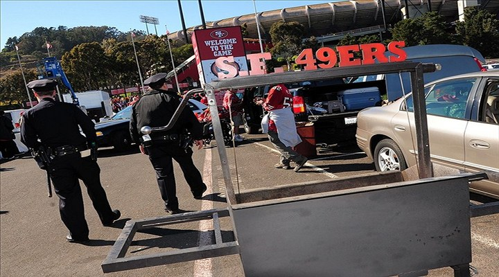 49ers Fans Arrested For Stabbing 49ers Fan Outside Candlestick Park