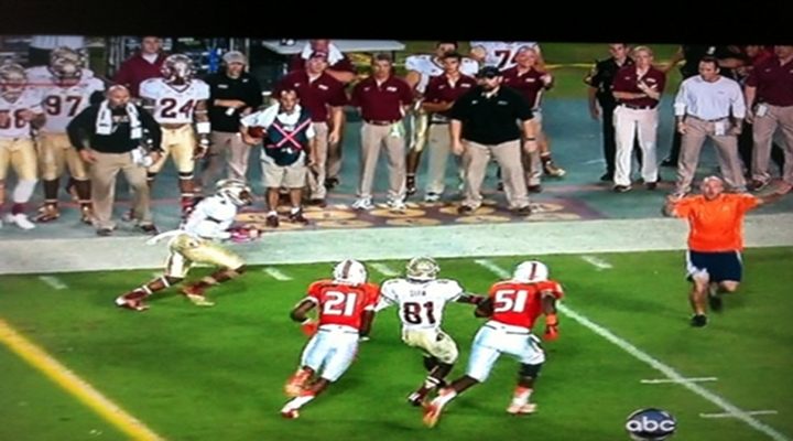 Fan Ran on the Field During a Play in Miami vs. Florida State Game [Video]