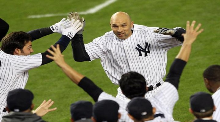Raul Ibanez Homers in Ninth to Tie Game, Wins it With Walkoff Homer in 12th Inning [Video]