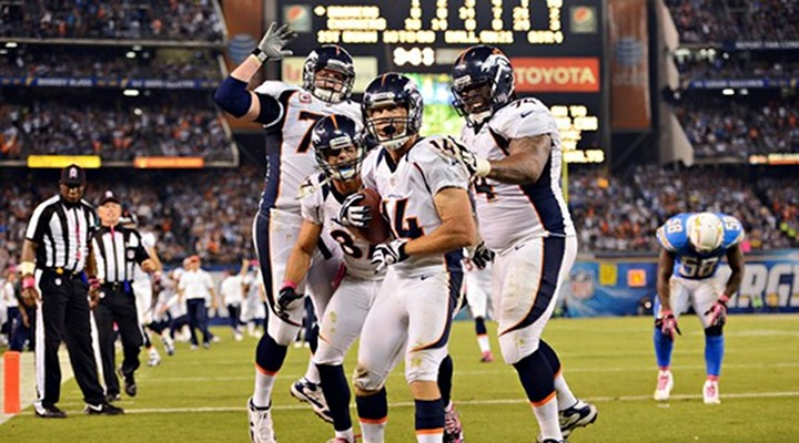 Peyton Manning Has Greatest Comeback of His Career; Broncos Score 35 Consecutive Points to Beat Chargers 35-24..
