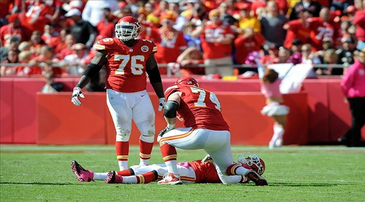 """Chiefs Eric Winston Was Pissed About Fans Cheering For QB Matt Cassel's Injury: """"We Are Not Gladiators"""""""