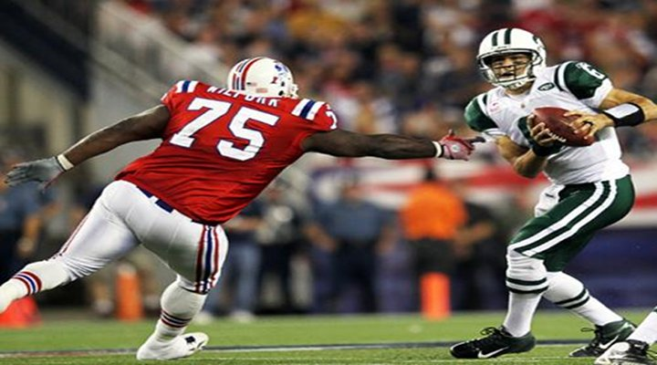 Dirty Sanchez: Jets QB Mark Sanchez Kicks Football Out of the End Zone for Safety [Video]