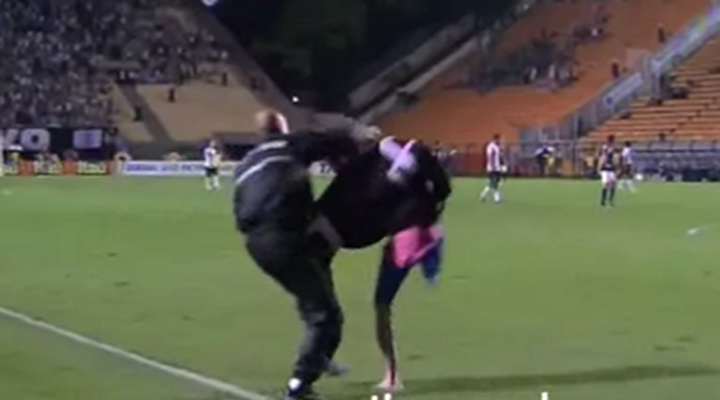 One Legged Soccer Fan Hops on the Pitch During Brazilian Match [Video]