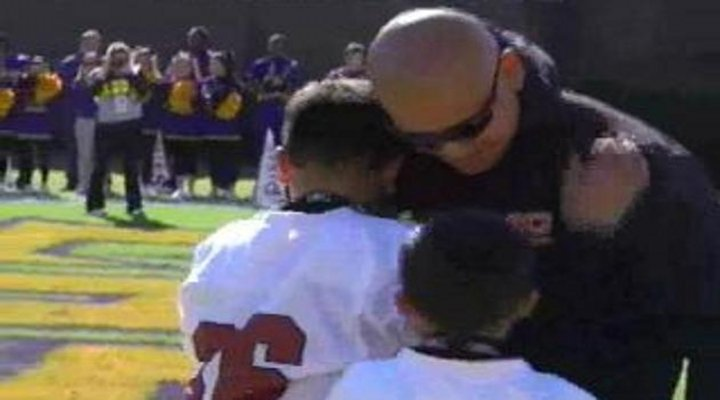 Marine Father Surprises His Sons During Halftime of Last Week's East Carolina Game [Video]