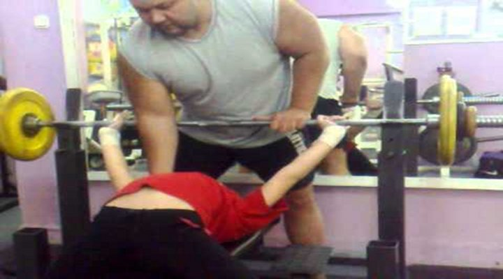 Wide World of Sports: 13-Year-Old Girl Bench Pressed 198 Pounds [Video]