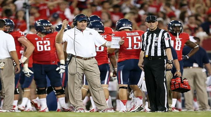 Sideline Fight: Arizona Teammates Threw Punches During New Mexico Bowl [Video]