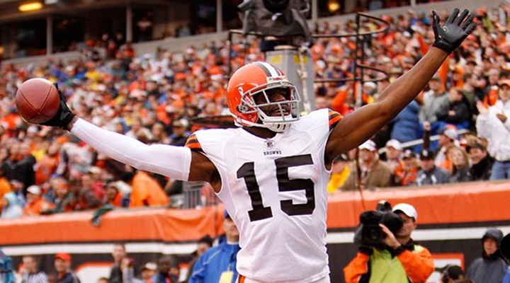 Worst Touchdown Dance of the Week: Browns WR Greg Little Does the Shimmie [Video]