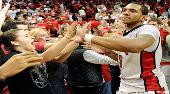 New Mexico Fan Shoved UNLV Basketball Player Anthony Marshall During the Game [Video]