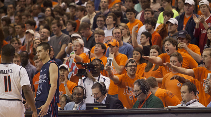 Mississippi's Marshall Henderson Taunted Auburn Fans After Game Winning Free Throws [Video]