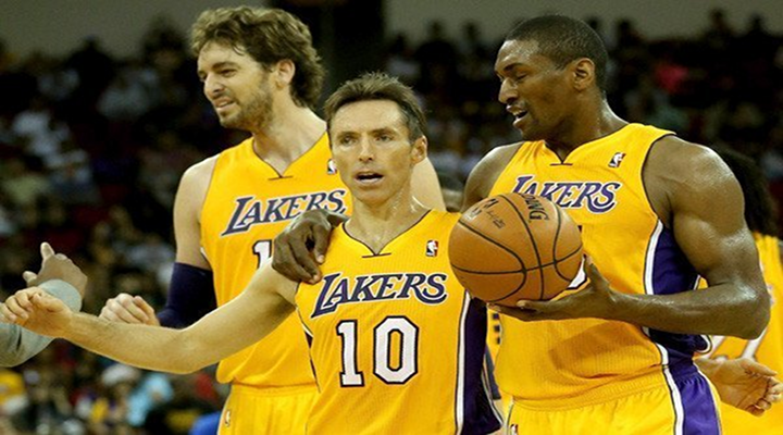 Steve Nash Wiped His Armpits with a Towel, Then Handed it to Metta World Peace, Who Wiped His Face With It [Video]