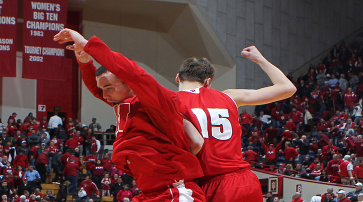 Wisconsin Upsets No.3 Michigan 65-62 in Insane Overtime Game [Video Highlights]