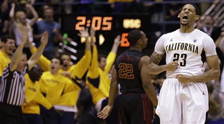 Mike Montgomery Shoved Allen Crabbe During Timeout, Sparks Cal Victory Over USC [Video]