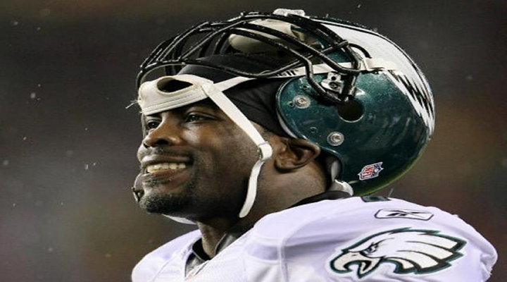 Michael Vick Goes From $100M Man to $10M Man with Eagles New 1-Year Contract