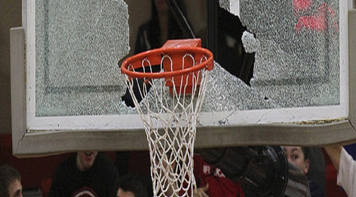 Wide World of Sports: High School Basketball Player Shatters Backboard, Mother & Son Beat Up at Arizona Bar, Police Brutality on 17-Year Old