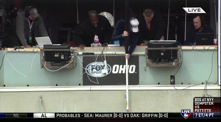 Fox Announcer Thom Brennaman Dropped His Cell Phone Out the Booth & Crew Member Went into MacGuyer Mode [Video]