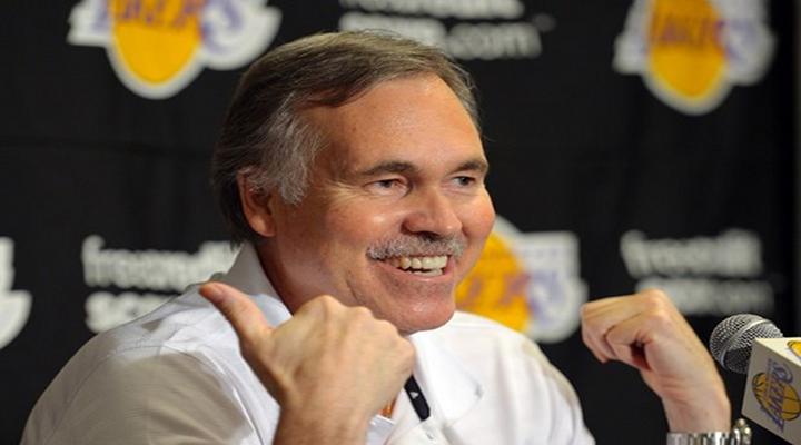 """Mike D'Antoni Seemed Annoyed With Kobe's Live Tweeting of Game 1, Saying """"He's a Fan"""" [Video]"""