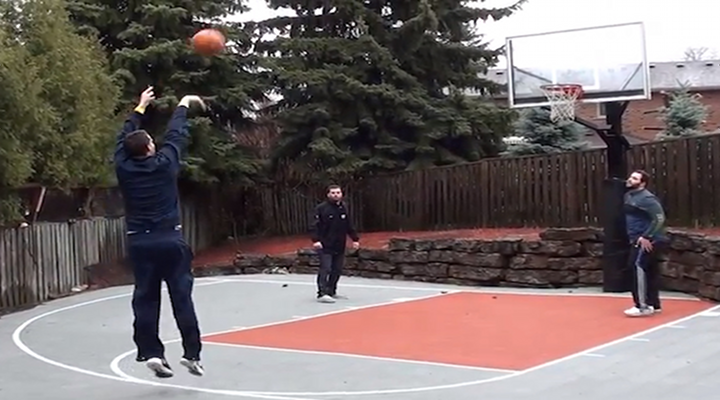 Michigan's Freshman Star, Nik Stauskas, Hits 46 Straight 3-Pointers in the Rain [Video]